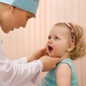bebe-chez-dentiste